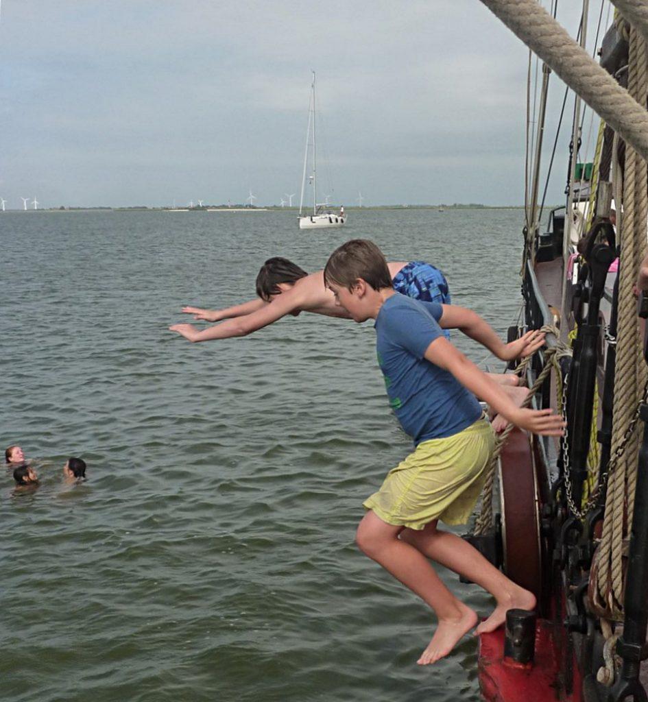 Single Summer Sailing - lekker zeilen en in het water springen